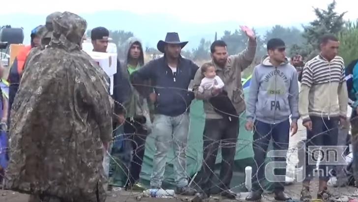 De ce refugiații musulmani au refuzat ajutorul Crucii Roșii? Preferă să moară de foame decât...