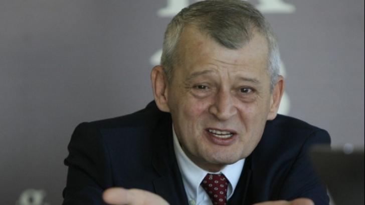 Sorin Oprescu, în lacrimi: Iertaţi-ne pe toţi, dacă puteţi!