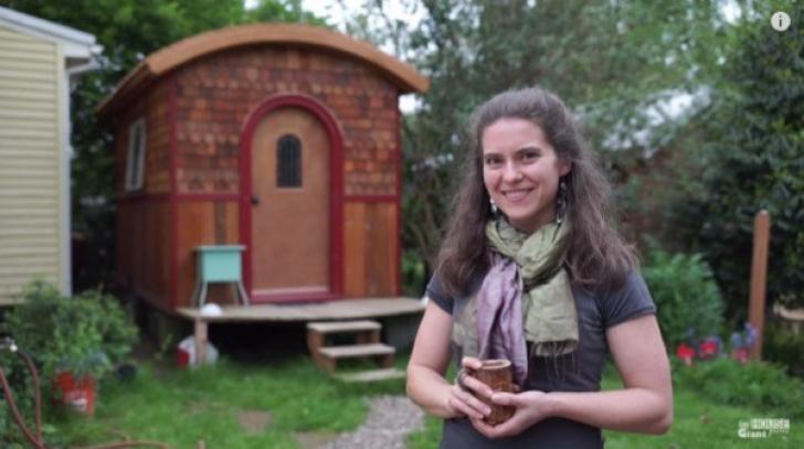 Femeia care şi-a făcut o casă de vis în cea mai micuţă rulotă