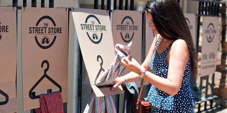 Primul magazin al străzii pe 3 octombrie