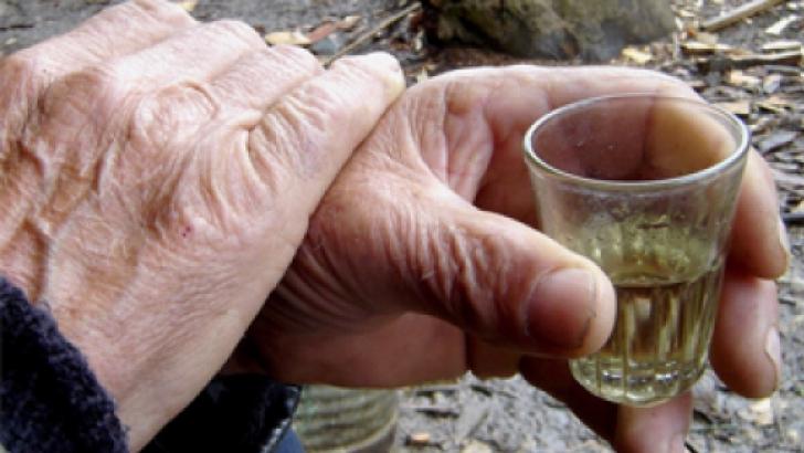 Ce se întâmplă în organismul nostru când bem ţuică fiartă. Nici nu îţi imaginezi ce efect are