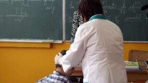 Invazie de păduchi în şcolile din România. Cum ne protejăm copilul