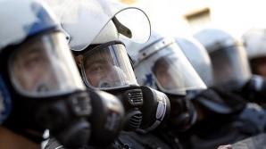 Poliția muntenegreană a tras cu gaze lacrimogene în protestatari antiguvernamentali