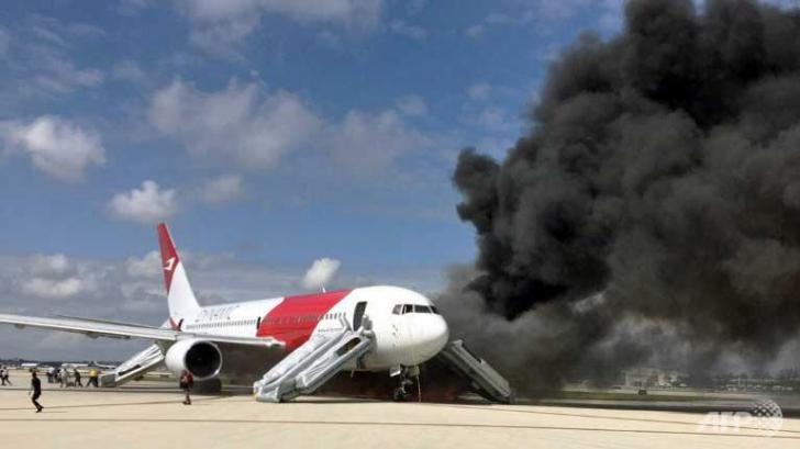 Incident pe aeroport. Un avion a luat foc în timp ce se pregătea să decoleze