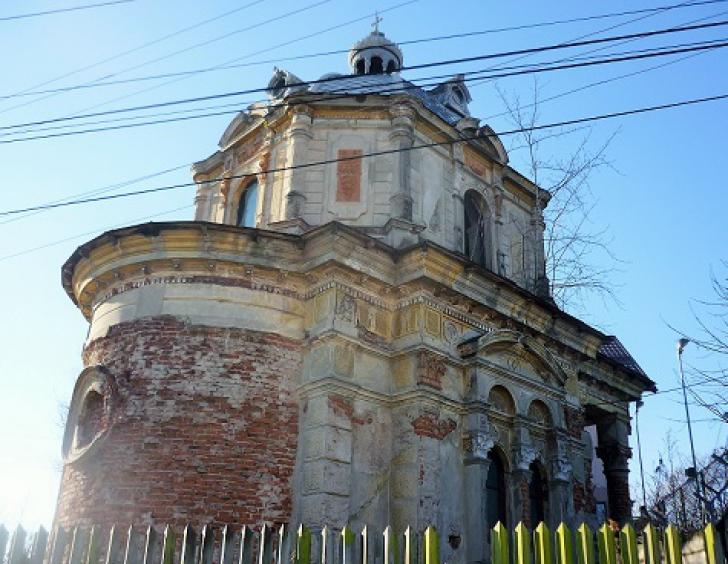 Este una dintre cele mai frumoase capele din România, însă nimeni nu are bani să o restaureze
