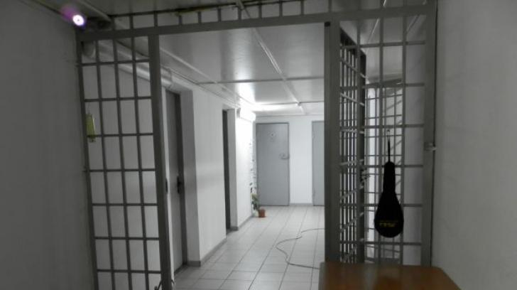 FOTO. În ce condiţii stă Vlad Filat în arestul preventiv