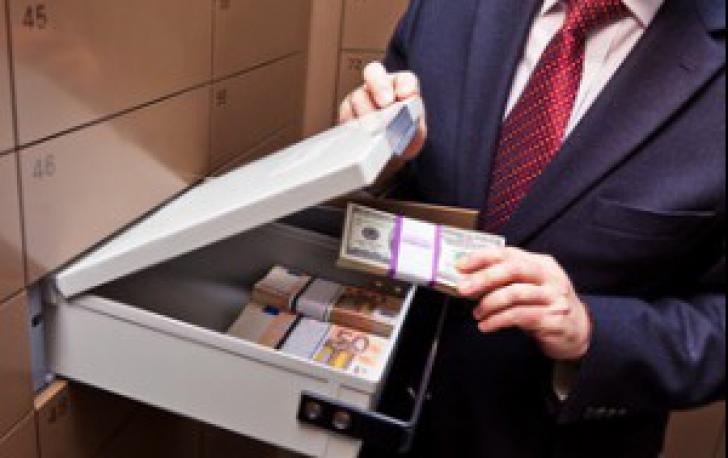Bani în bănci