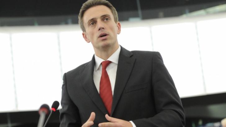 Ivan: Ponta ar trebui să facă un pas în spate, iar Iohannis să desemneze un premier tot de la PSD