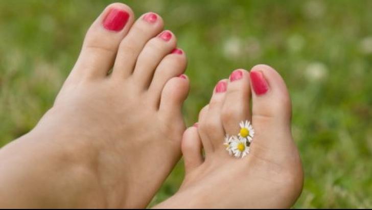 Cum tratezi unghiile încarnate. Cel mai eficient tratament 100% natural