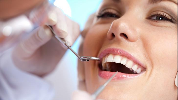 Dentistul groazei. Un stomatolog a mutilat 100 de pacienţi. Iată ce a păţit când s-a aflat!