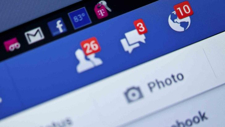 Şi-a lăsat copilul nesupravegheat, ca să stea pe Facebook. În tot acest timp, o tragedie a avut loc
