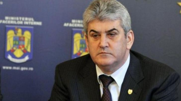Gabriel Oprea, despre incendiul din Colectiv: 500 de forţe ISU, 160 de poliţişti, 72 de la rutieră
