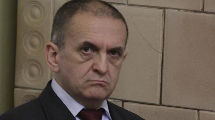 Deputat PNL: Ruperea cu trecutul, Dragnea, se face excluzându-l pe bătrânul comunist Iliescu