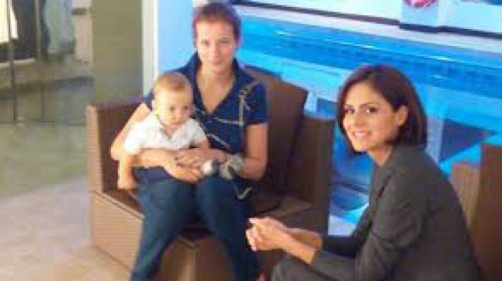 Viorica Susanu si-a dus baietelul in varsta de 8 luni la primele ore de inot