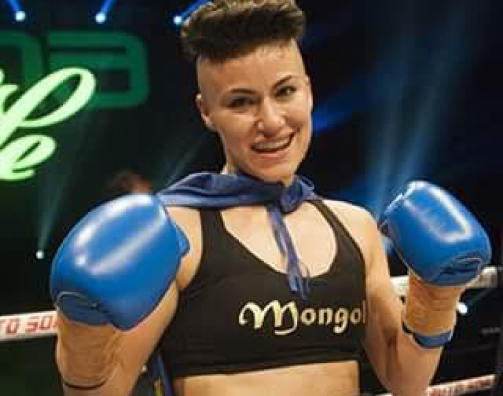 Prima campioana mondiala a Romaniei la Superkombat organizeaza azi o conferinta de presa