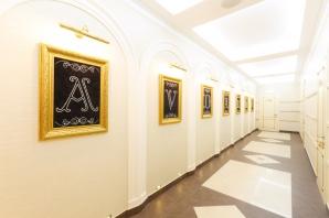 Cum arată cea mai fițoasă sală de nunţi din Găgăuzia! Toaleta e plină de cristale Swarovski