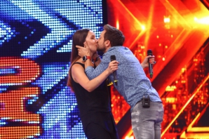 Sărut la X Factor