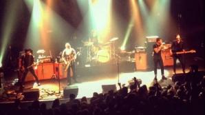 Membrii formaţiei rock care concerta în sala Bataclan ar fi scăpat cu viaţă