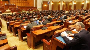 Legea bugetului, adoptată pe articole de Parlament. Câte amendamente au fost admise