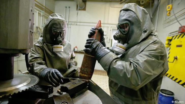 Premierul Manuel Valls: Franța ar putea fi ținta unui atac cu arme chimice sau biologice