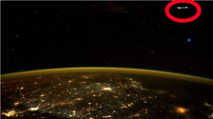 """Un astronaut, uimit de obiectul văzut deasupra Pământului, în Spațiu. """"E OZN"""". Cum arată"""