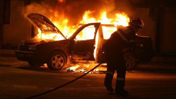 O femeie din Mangalia a incendiat maşina fostului soţ. Care e motivul
