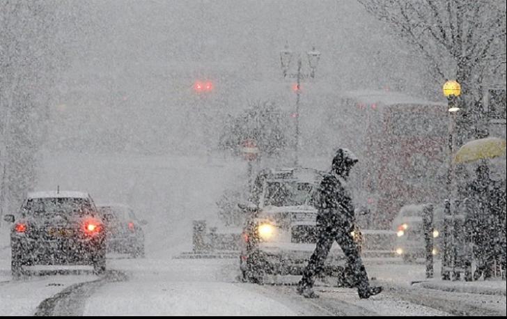Ninge abundent în nordul țării. Traficul rutier, îngreunat