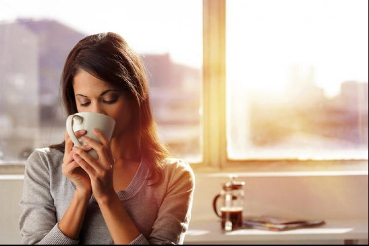 De ce să NU bei cafea dimineața, între 8.00 și 9.00. Puțini cunosc asta