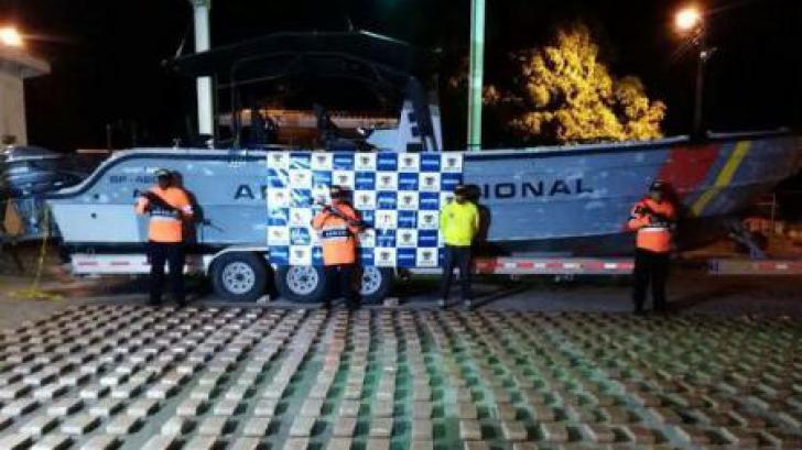 Peste o jumătate de tonă de cocaină,descoperită în autocare ale unor suporteri de fotbal în Columbia