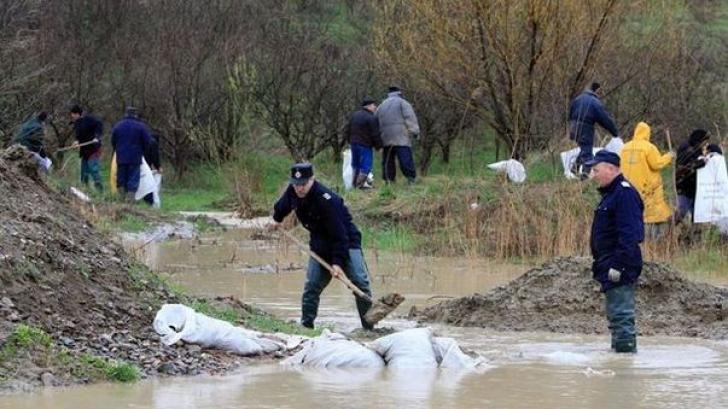 O nouă avertizare Cod Portocaliu de inundații, emisă duminică
