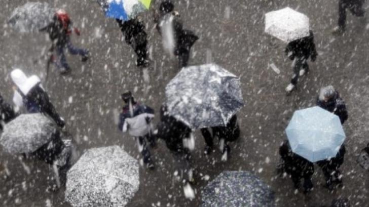 Frig şi precipitaţii mixte! Prognoza meteo pe două săptămâni