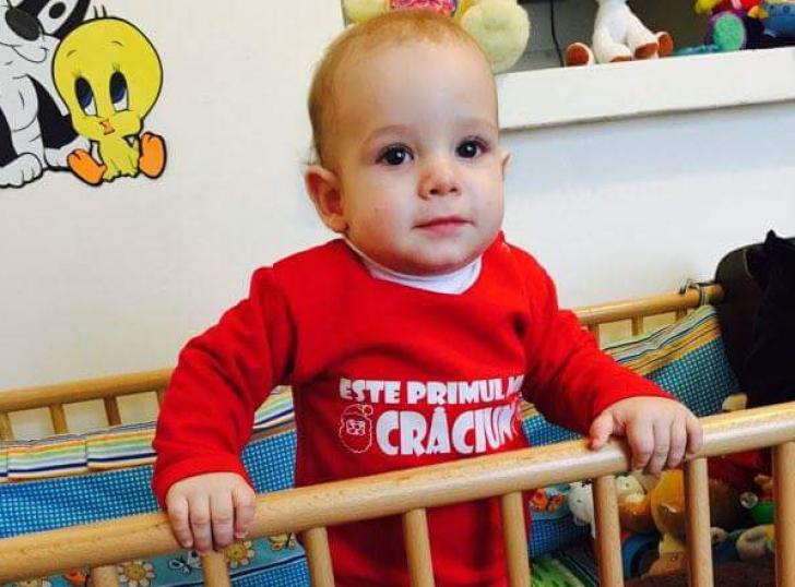 Un copil de 9 luni va auzi pentru prima dată. A primit ajutor de la mii de români