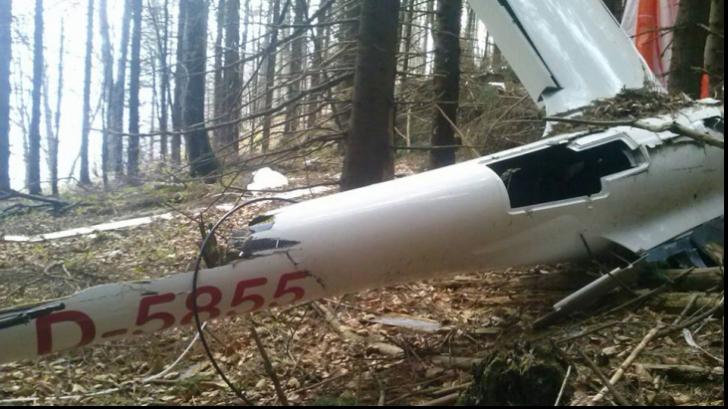 Epava planorului dispărut în august, găsită în Braşov de un grup de turişti. PRIMELE IMAGINI