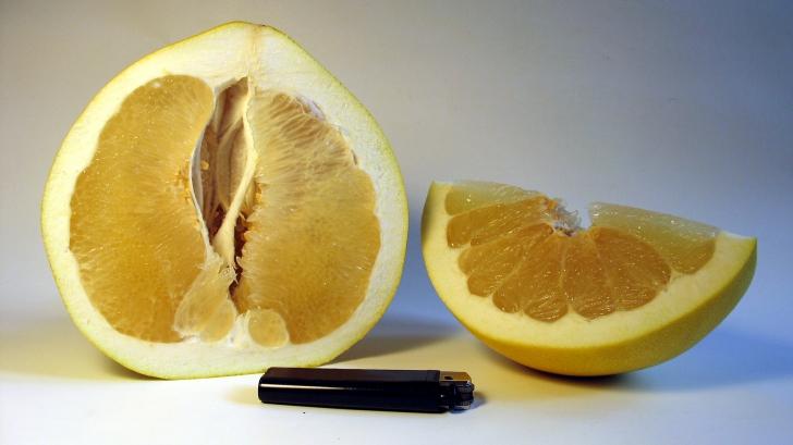 Lucrul neştiut despre POMELO. Ce conţine acest fruct