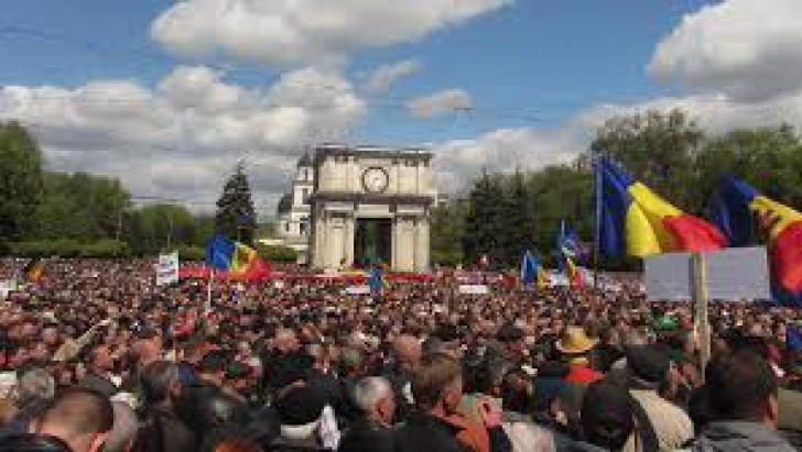 Protest spontan la Chişinău, în favoarea unirii Republicii Moldova cu România