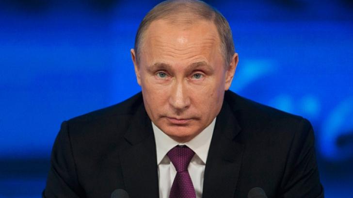 Putin a solicitat marinei Rusiei să coopereze cu cea a Franţei în atacurile contra Statului Islamic
