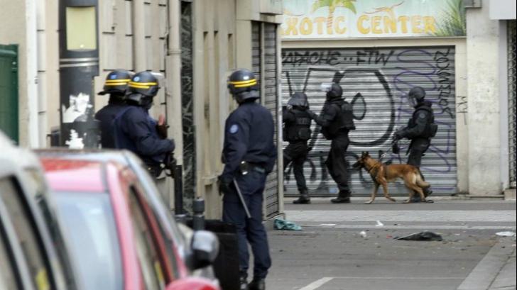 Asaltul polițiștilor francez la Saint-Denis