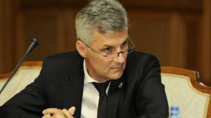 Daniel Zamfir: Legea dării în plată trebuie să fie una dreptă, nu o măsură socială