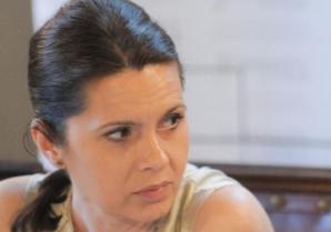 """Adriana Săftoiu, despre """"lipitorile politice"""". Dezvăluiri fabuloase: cum se iau deciziile """"în plic"""""""