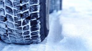 Când trebuie să treceţi la cauciucurile de iarnă ca să nu luaţi amendă? Regulile din Codul Rutier