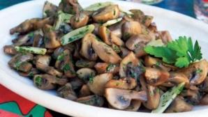 Aşa faci cele mai bune ciuperci cu usturoi. Ingredientul secret care face toată diferenţa