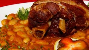 1 DECEMBRIE: Reţeta tradiţională de fasole cu ciolan afuma pe care doar cei mai buni bucătari o ştiu