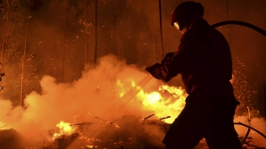 Incendiu la o pensiune din Argeş. O butelie a luat foc