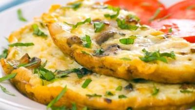 Cum să faci cea mai bună şi mai pufoasă omletă. Secrete pentru textură şi gust