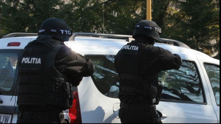Descoperire şocantă în casa unui bărbat din Braşov. Ce au găsit poliţiştii