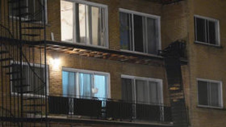 Balconul unui imobil deținut de Lucian Bute s-a prăbușit. Două persoane au murit