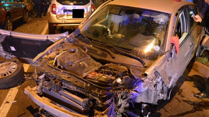 Accident grav în Neamţ. Şapte maşini au fost implicate în carambol