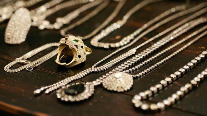 Cum faci bijuteriile vechi să arate ca noi