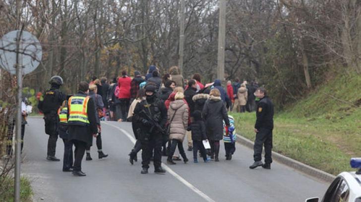 Alertă cu bombă la o şcoală privată din Budapesta. Elevii au fost evacuaţi
