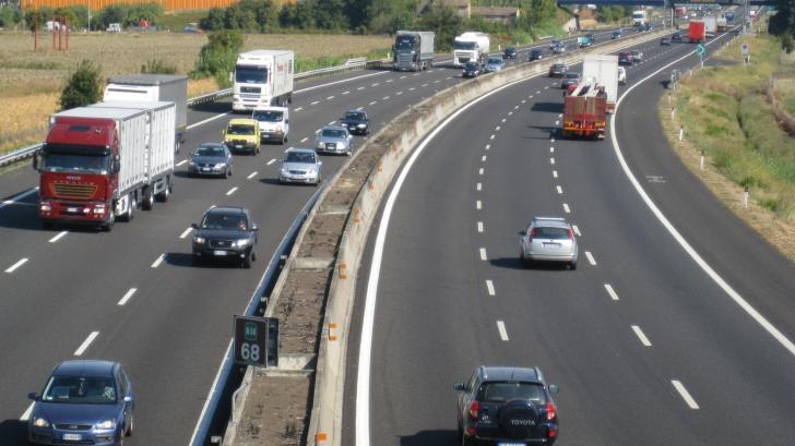 Lucrări pe autostrada A2 Bucureşti - Constanţa